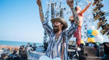 Riccione: Jova Beach Party, strade chiuse e divieto di vendita bottiglie di vetro