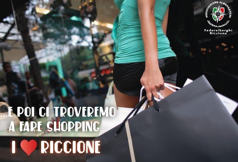 Riccione: E poi ci troveremo a fare shopping .....