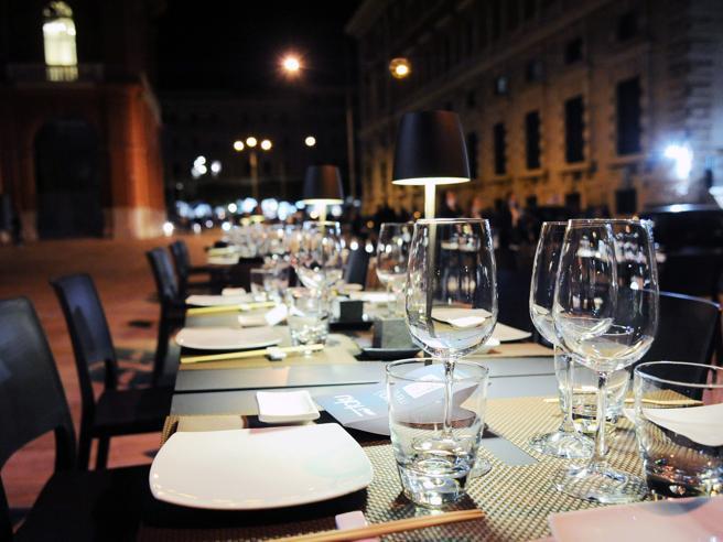 Alberghi, commercio e ristoranti: la crisi porta via 222 miliardi di ricavi