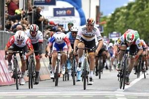 Torna il Giro d'Italia, nel segno di Dante Alighieri e dell'Emilia-Romagna: quattro tappe in regione